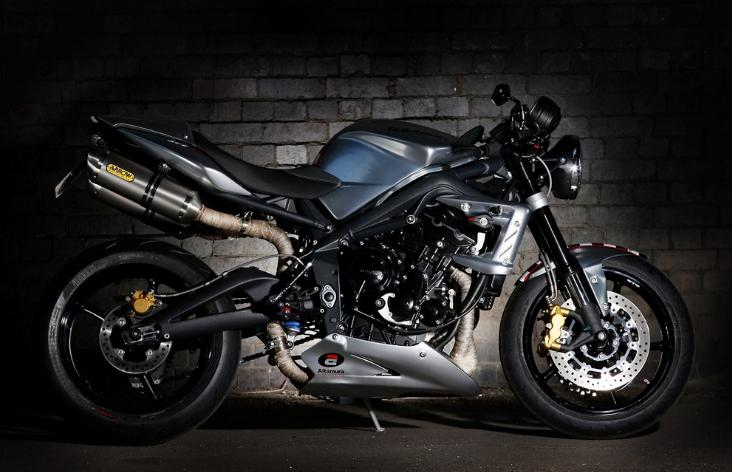 2012 'Ace Cafe' 675CR Street Triple Limited Edition