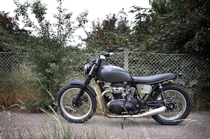 The Mistress Bike Kawasaki W650