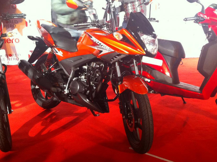 2012 Hero Ignitor 125cc at the 2012 Auto Expo