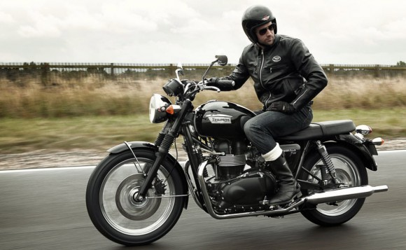 Triumph Bonneville T100 110th Anniversary Edition