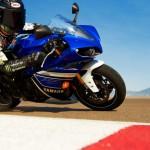 2013 Yamaha YZF-R1_13