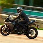 2013 Yamaha YZF-R1_23