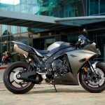 2013 Yamaha YZF-R1_4