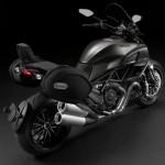 2013 Ducati Diavel Strada_3