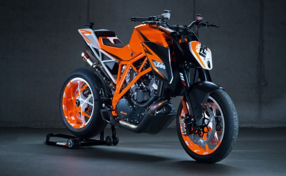 KTM Presents the 1290 Super Duke R Prototype
