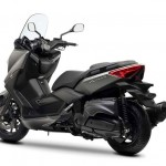 2013 Yamaha X-Max 400 Maxi-scooter Matt Gray_4