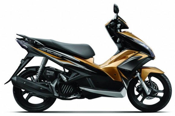 2013 Honda Air Blade Pearl Magellanic Black with Gold Metallic