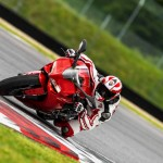 2014 Ducati 899 Panigale in Action_4