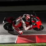 2014 Ducati 899 Panigale in Action_9
