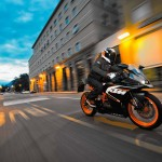 2014 KTM RC125 In Action_2