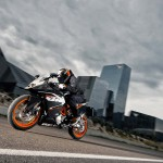 2014 KTM RC125 In Action_5
