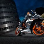 2014 KTM RC125 In Action_7