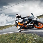 2014 KTM RC200 In Action_1