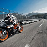 2014 KTM RC200 In Action_5