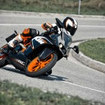 2014 KTM RC200 In Action_6