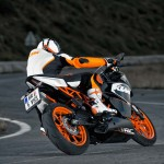 2014 KTM RC200 In Action_7