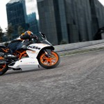 2014 KTM RC390 In Action_1