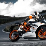 2014 KTM RC390 In Action_2