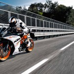 2014 KTM RC390 In Action_3