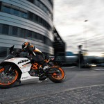 2014 KTM RC390 In Action_4
