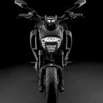 2015 Ducati Diavel Front