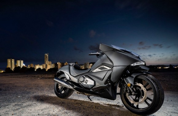 2015 Honda NM4 Vultus Unveiled at ComicCon London
