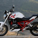 2015 BMW R1200R Light White Non-Metallic with Racing Red frame_1