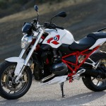 2015 BMW R1200R Light White Non-Metallic with Racing Red frame_2