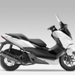 2015 Honda Forza 125 Matt Pearl Cool White with Black_1