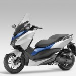 2015 Honda Forza 125 Matt Pearl Cool White with Blue_2