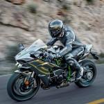 2015 Kawasaki Ninja H2 in Action_11