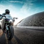 2015 Kawasaki Ninja H2 in Action_14