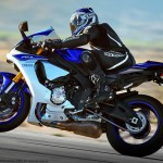 2015 Yamaha YZF-R1 in Action_1
