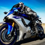 2015 Yamaha YZF-R1 in Action_3