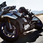 2015 Yamaha YZF-R1M In Action_1