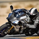 2015 Yamaha YZF-R1M In Action_10