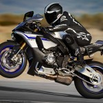 2015 Yamaha YZF-R1M In Action_7
