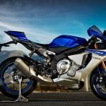 2015 Yamaha YZF-R1_1