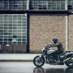 2015 Yamaha VMAX Carbon In Action_5