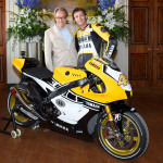 Rossi Attends the 2015 Goodwood Festival of Speed with Yellow-Black Yamaha YZR M1_4