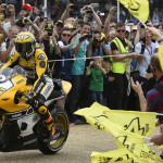 Rossi Attends the 2015 Goodwood Festival of Speed with Yellow-Black Yamaha YZR M1_7