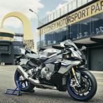 2016 Yamaha YZF-R1M_1