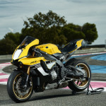 Yamaha YZF-R1 60th Anniversary Edition Black and Yellow_1