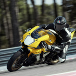 Yamaha YZF-R1 60th Anniversary Edition in Action