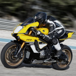 Yamaha YZF-R1 60th Anniversary Edition in Action_1