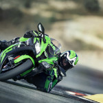 2016 Kawasaki Ninja ZX-10R In Action_2