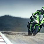 2016 Kawasaki Ninja ZX-10R In Action_3