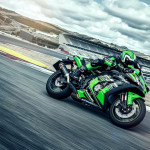 2016 Kawasaki Ninja ZX-10R In Action_4