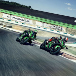 2016 Kawasaki Ninja ZX-10R In Action_5