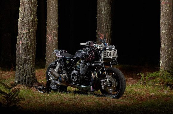 Yard Built Yamaha XJR1300 Big Bad Wolf_3
